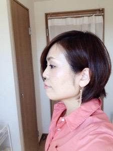 パーソナルカラー オータム サーモンピンクのシャツ