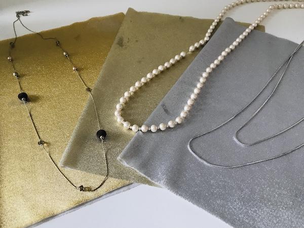 パーソナルカラー ブルーベースなのに銀より金が似合うパターン